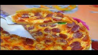 Домашняя пицца пепперони./Home pepperoni pizza.