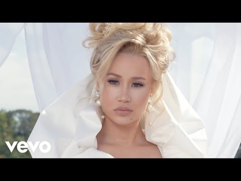 D-Strong - Iggy Azalea Drops New Video!