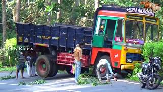 Some Time Drivers Fail || Lorry Accident