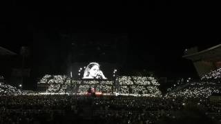 "Adele Dedicates ""Make You Feel My Love"" to London Attack victims"