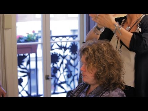 how-to-style-curly-hair-|-men's-grooming