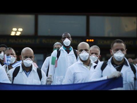 Desembarca en Italia una delegación con 50 médicos cubanos para ayudar en la crisis por el C…