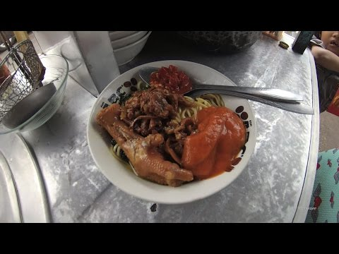 Indonesia Jakarta Street Food 1090 Part.1 Cirebon Miss Ela DeliciousChicken Foot NoodlesMieAyamCeker