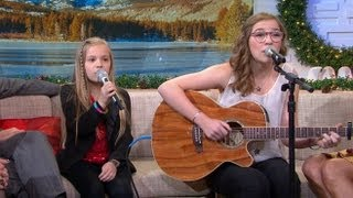Repeat youtube video 'Call Your Girlfriend' Sisters Perform New Song: Lennon and Maisy Stella on 'GMA'