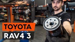 Hvordan bytte oljefilter og motorolje der på TOYOTA RAV 4 3 (XA30) [AUTODOC-VIDEOLEKSJONER]