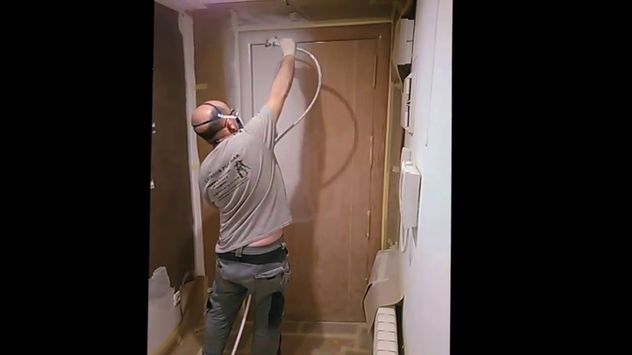 Lacado en blanco de puerta de entrada lacados pulimar for Lacar puertas en blanco
