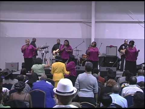 Tammy Edwards & The Edwards Singers Live In Greensburg, North Carolina (It's Only Temporary)