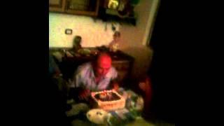 Repeat youtube video Gezuar ditelindjen Gjyshi