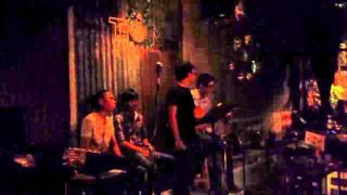 Tôn Cafe - Đường Xa Uớt Mưa (Acoustic Cover)