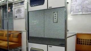 地下鉄の変なドア 「閉める方向が違うやろ!!」 Strange Train Doors thumbnail