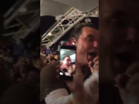 Bush - Coney Island - 8/10/17 Gavin goes into audience