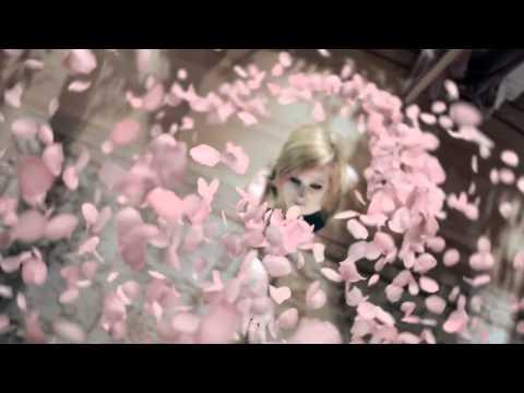 Avril Lavigne Wild Rose TV Commercial - OFFICIAL