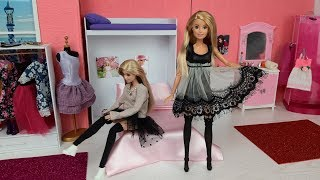 Two Barbie Doll Sistres Morning Bunk Bed Bedroom Routine. Dress up New Dress for Barbie Doll
