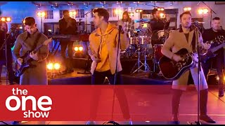 Download Lagu Jonas Brothers - What A Man Gotta Do Live on The One Show MP3