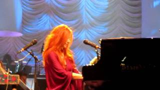 Tori Amos - Yes, Anastasia - Live with the Metropole Orchestra