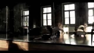 Техника contemporary dance. Работа с весом. Элементы Flying Low.
