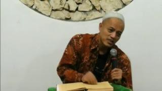 LIVE - Senin, 3 September 2018. - Ngaji bareng Gus Fuad Plered. Kitab Tafsir Jalalain.