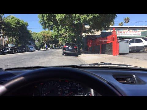 🔴LIVE Checking out a bugatti veyron 🚗💨