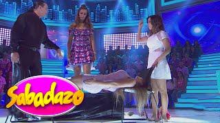 Repeat youtube video Gomita es hipnotizada y ¡Cecilia se subió a su abdomen!