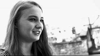 Karen Millen: The Journey - On set with Sophie Turner Thumbnail
