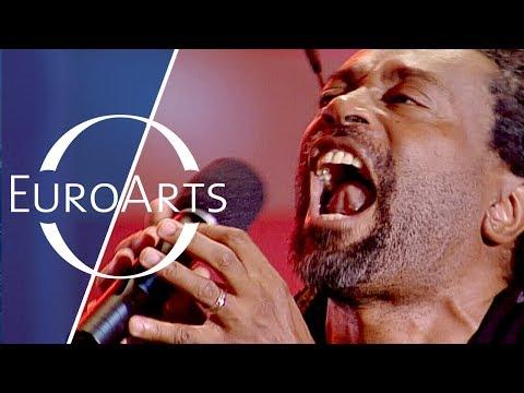 "Bobby McFerrin & Nigel Kennedy: Improvisation based on ""All Blues"" by Miles Davis"
