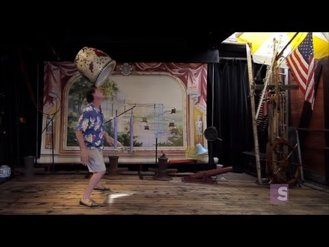 The floating circus - Offbeat Spaces video