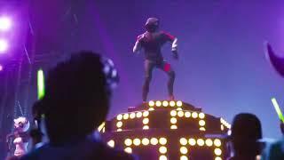 Neu Fortnite Samsung X IKONIC Skin Scenario Dance Emote Promotion Video Trailer Epic Games