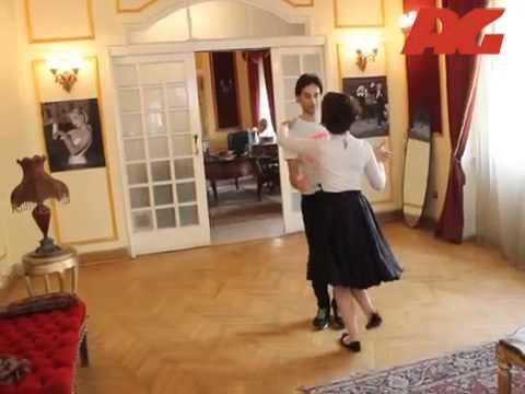 مدرب رقص فالس يراجع الرقصة مع الفنانة منه شلبي - Haret Al Yahood - Making Of