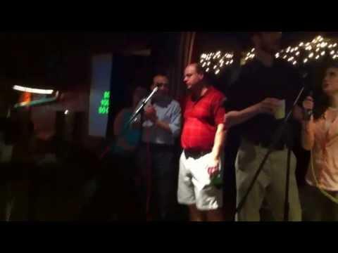 Tom Woods and Bob Murphy singing Hey Jude