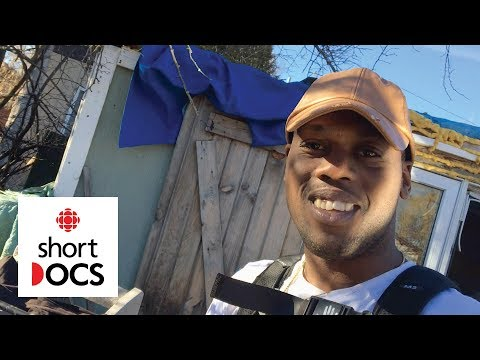 Toronto Youth Terence Captures his Life In a Homeless Shelter with a Camera Phone   Red Button