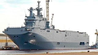 فرنسا تنفي تسليم موسكو حاملة مروحيات الشهر المقبل