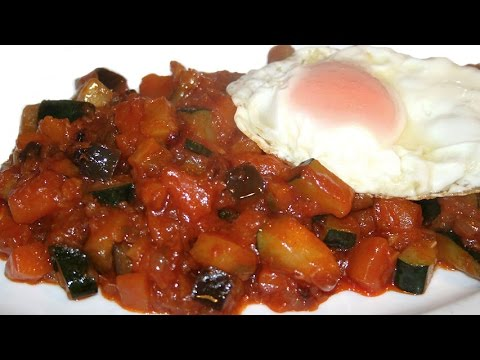 Alboronía (andalusian ratatouille) with fried egg