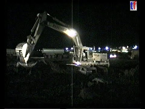 HUGE EARTHMOVING FLEET * NIGHT SHIFT * / Ausbau Flughafen St