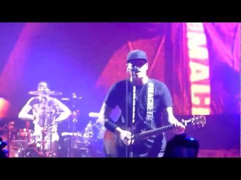 Blink-182 - Always Live @ Odyssey Arena Belfast HD