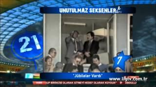 Halit Kıvanç İlker Yasin'e mikrofonu devrediyor.