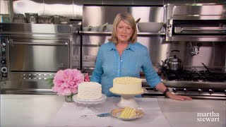 Martha Stewarts Trick To Level Cake Layers Perfectly | Martha Bakes | #Shorts