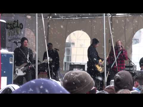 Switchfoot - Dark Horses (ending) / Sabotage - Radio 104.5 WinterJam 2014