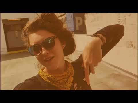 Смотреть клип Reptile Room - Sunlite