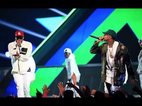 Chris Brown Performing 'AYO' ft Tyga
