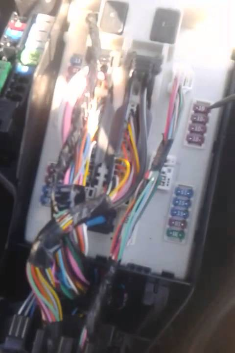 test  replace fuses   nissan altima