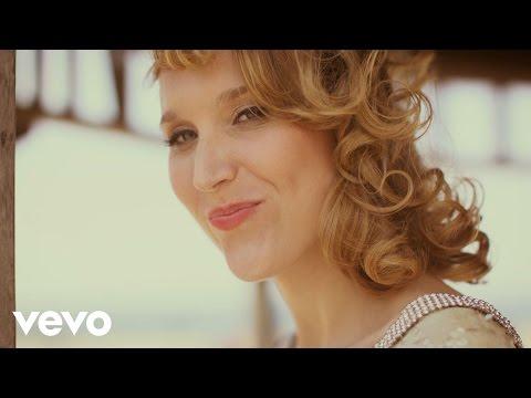 Sarah McKenzie - Quoi, Quoi, Quoi