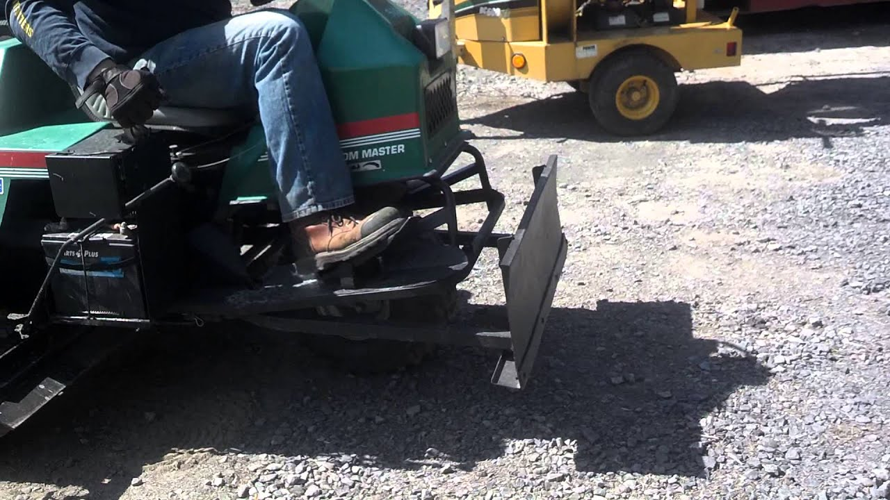 cushman groom master for sale youtube rh youtube com 4 Wheel Cushman Truckster Cushman Groom Master Attachments For