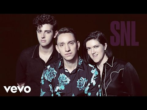 """The xx - """"On Hold"""" performed on Saturday Night Live"""