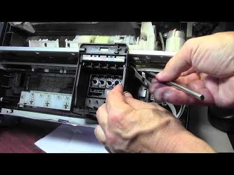 Принтер Epson как снять  печатающую головку для чистки и промывки