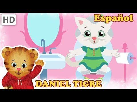 Daniel Tigre en Español 🚽 En el Baño Cantamos Juntos! | Videos para Niños