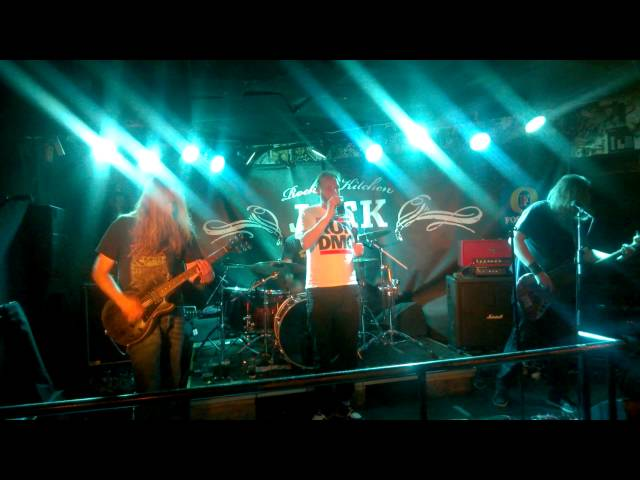 Mud (2014-09-24 Jack The Rooster, Tampere)