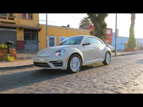 VW Beetle Final Edition Driving in Mexico