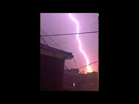오늘 새벽 창원 날씨. 아이폰 슬로우모션으로 찍은 벼락 / Lightning in Slow motion