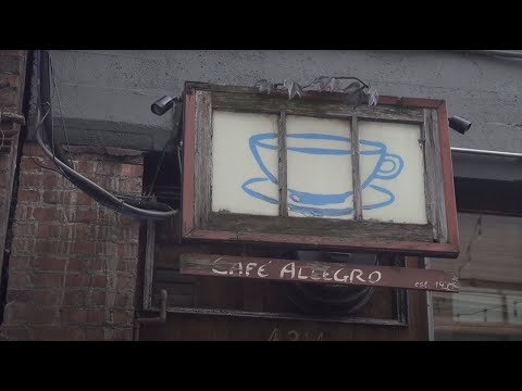 UW Campus Tour: Cafes On The Ave!