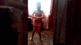 Видио урок как танцевать под песню шоу герлз